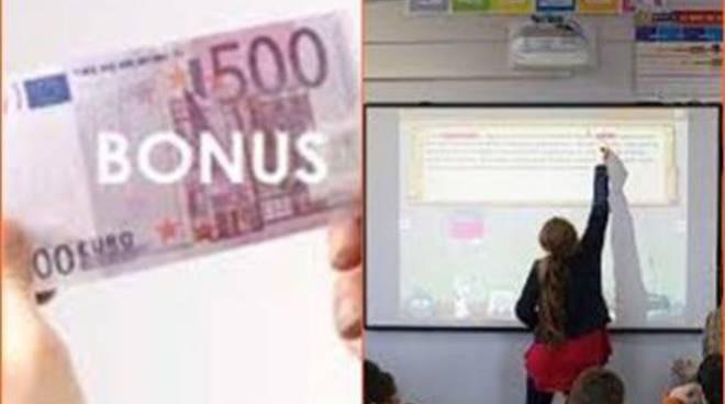 <span>Scuola, bonus per l'aggiornamento: esclusi gli Ata</s