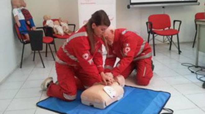 Ardea, corso Cri di Rianimazione Cardiopolmonare e Defibrillazione