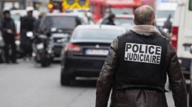 """Attentati a Parigi, Cambia Sabaudia: """"Esprimiamo il nostro cordoglio"""""""