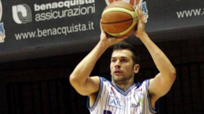 Basket:Marco Tagliabue: «Dobbiamo vincere»