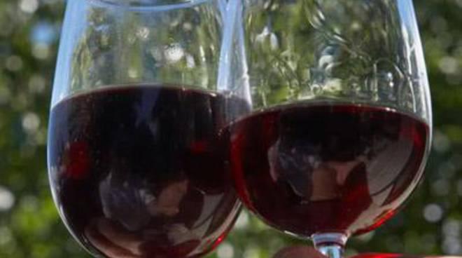 Brunello a Palazzo, Decant porta nella sua Fondi il Principe dei vini italiani