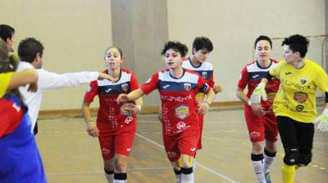 Calcio a 5 femminile: le ragazze della Vis Fondi serie A affrontano la Salernitana