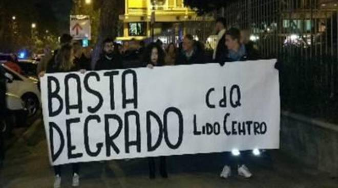 CasaPound: fiaccolata contro il degrado della stazione Lido Centro