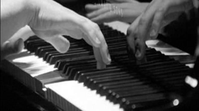 Liszt e Chopin fino ad arrivare con Granados e Ravel per il concerto di Scamponi