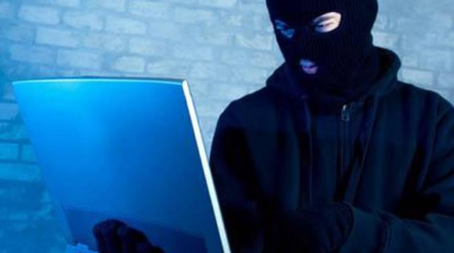 """M5s, Hacker: """"Un attacco capitato al momento meno opportuno"""""""