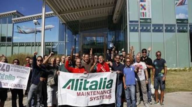 """M5S: """"L'aeroporto di Fiumicino deve restare italiano"""""""