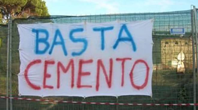 """M5S: """"No alla cementificazione del campo sportivo"""""""
