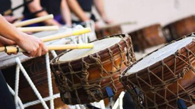 Natale in Africa: fiabe e laboratorio di percussioni per genitori e figli