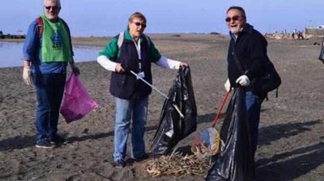 Scuolambiente presente a Spiagge pulite 2015