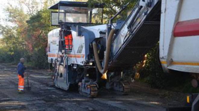 Tyrsenia: in corso i lavori di ripavimentazione di Via Morlacca e Via Marconi