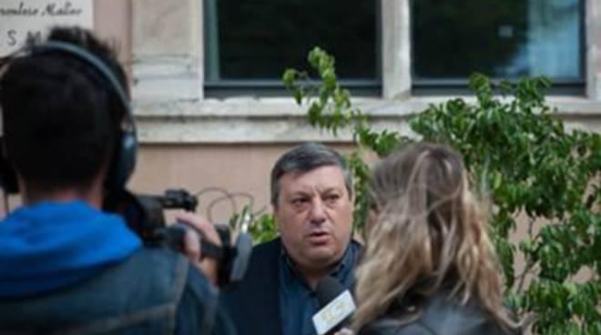 """Diritti animali, Ferreri: """"Condivido la raccolta firme per vietare i botti di capodanno"""""""