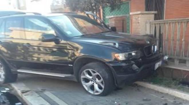 Grave incidente stradale sul Lungomare degli Ardeatini. Un morto e due feriti