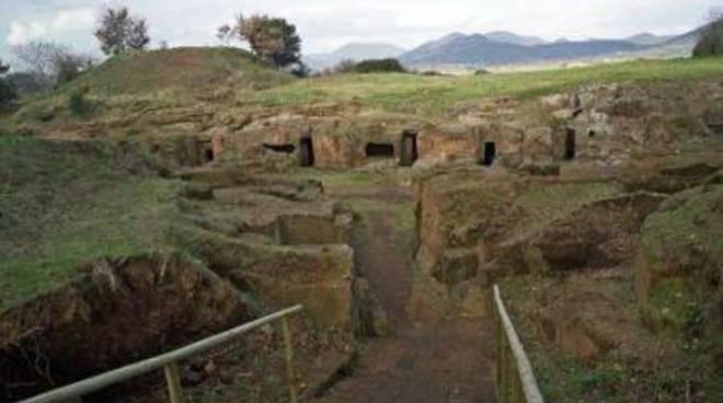 """Turismo, Fi: """"Siti archeologici invidiati in tutto il mondo cadono a pezzi"""""""