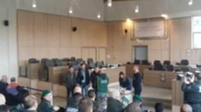 170 studenti ricevono l'attestato di benemerenza dal Comune