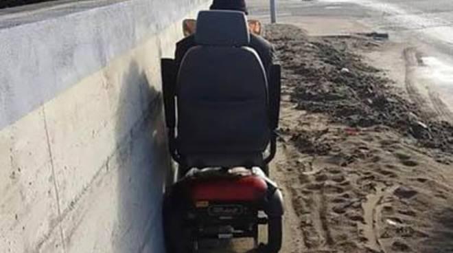 """Anffas: """"La sabbia nega l'accesso nei locali dell'associazione alle persone con disabilità"""""""