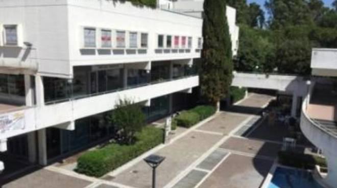 """Centro Commerciale Eschilo, Sel: """"Riaprire subito"""""""