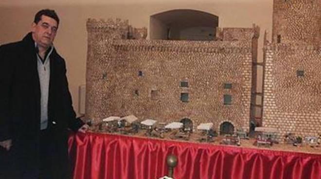 Il plastico di Danilo Salvatori in esposizione a Palazzo Caetani, per una raccolta benefica
