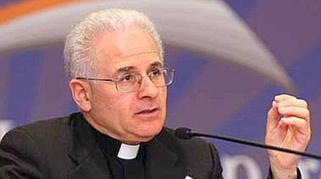 """Il vescovo Crociata ai giornalisti: """"Fate emergere ciò in cui credete"""""""