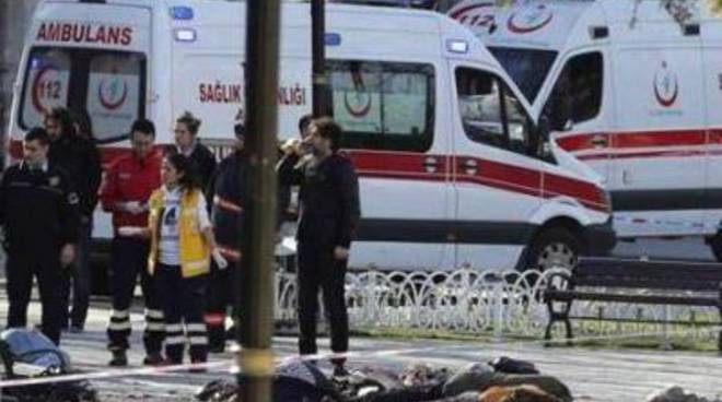 Istanbul, kamikaze fa strage tra i turisti