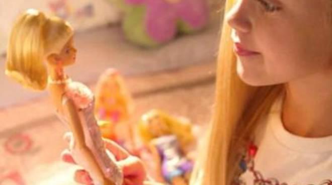 """Basta perfezione: la Barbie da oggi è anche """"normale"""""""