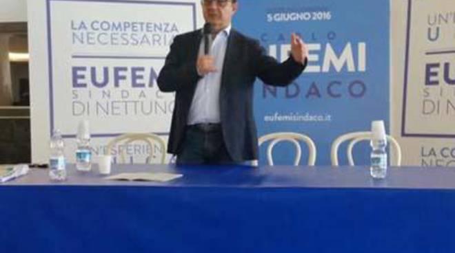 Carlo Eufemi si è recato in Comune per un incontro con i dirigenti