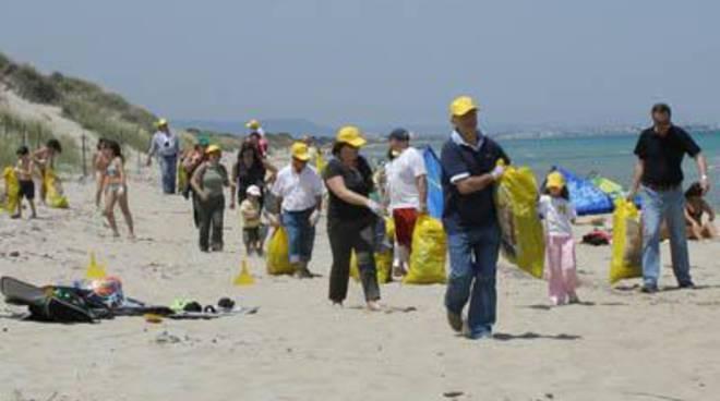 Fare Verde:ripulita la spiaggia in località San Giorgio