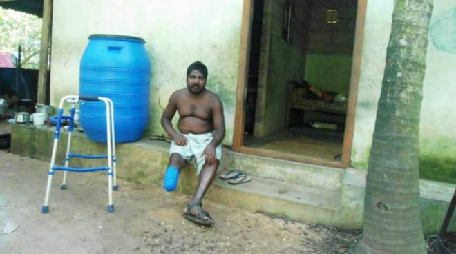 Farmacisti in aiuto e l'assistenza sanitaria in India