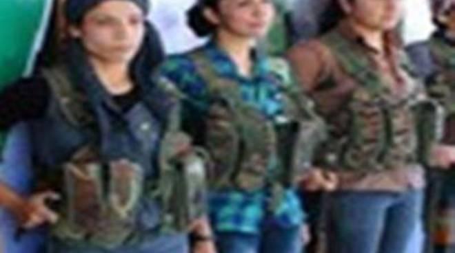 Incontro con Fatma Gulmez per spiegare la lotta dei curdi a Kobane