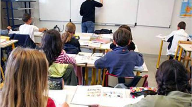 Pensioni insegnanti, solo 16mila domande: - 40% rispetto al 2015