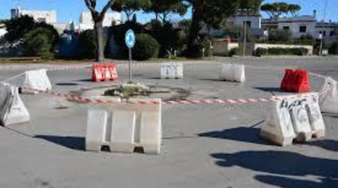Sicurezza stradale: al via i lavori per il rifacimento della rotatoria di Campo Ascolano
