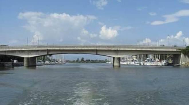 """Un Ponte tira l'altro. Perna: """"Il ponte della Scafa, un dovere verso i cittadini"""""""
