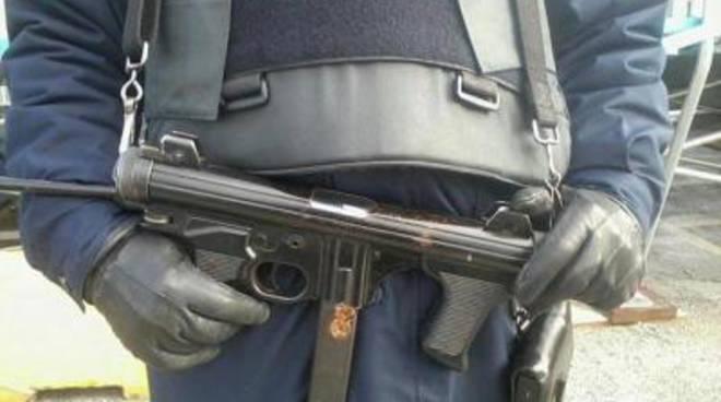 """Arresti e perquisizioni: Fiumicino """"blindata"""" dalla polizia"""