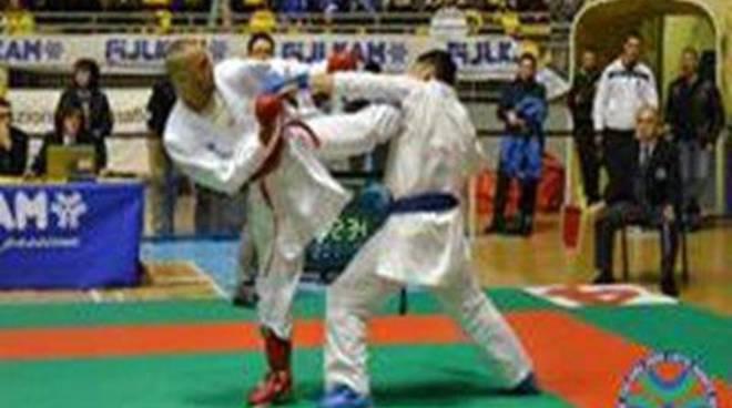Assoluti di Karate Fijlkam: al Pala Pellicone lo spettacolo del kumite italiano