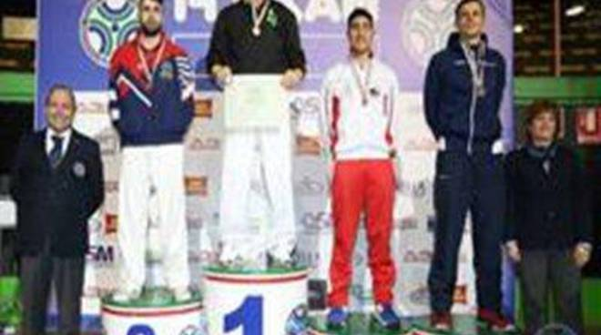 Assoluti di Karate: Stefano Maniscalco dal 2001 imbattuto nei pesi massimi