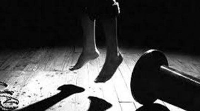 Giovane suicida in via Valderoa.Si indaga sull'episodio