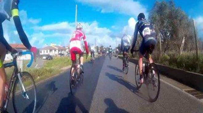 GranFondo, un successo annunciato: oltre 650 ciclisti nel centro storico