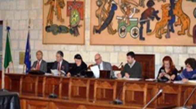 Il Consiglio comunale è favorevole alla trasversale, no al tracciato verde