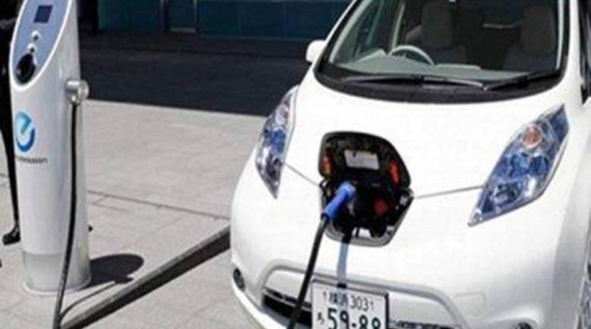 """Il Porto sempre più """"verde"""": istituita una nuova auto elettrica per Port Mobility"""