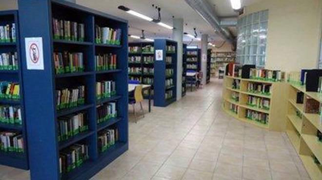 """La Biblioteca """"Peppino Impastato"""" presenta """"Orme"""" di Simone Conti"""