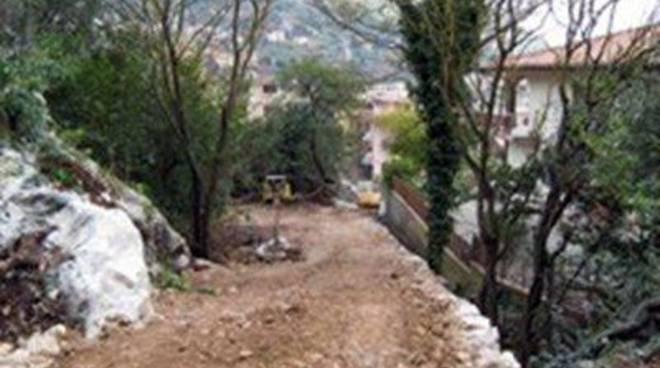 Sequestrata dal comando forestale una strada a Cescole<br />