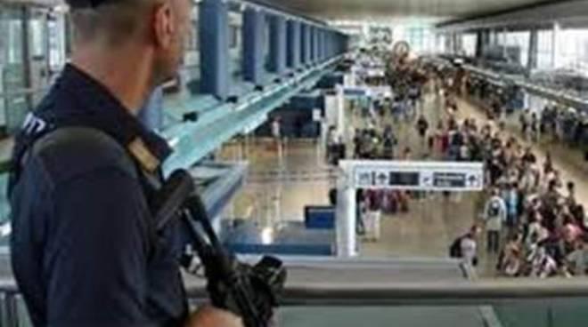 Terrorismo, scalo blindato: pattuglie in borghese nascoste tra la gente