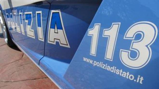 Aranova: al posto di blocco minaccia gli agenti con una pistola