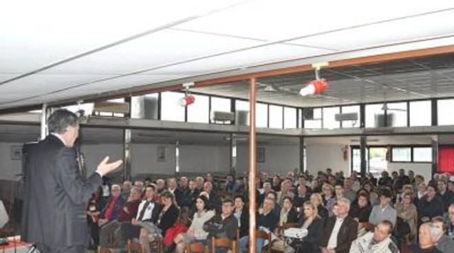 Bagno di folla per Calandri a Latina scalo