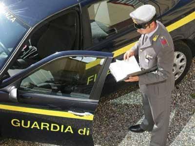 La Guardia di Finanza sequestra immobili per mezzo milione di euro