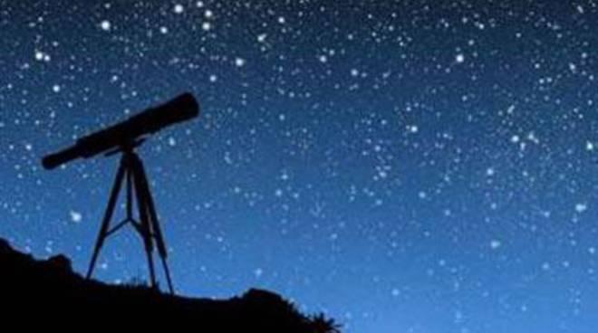 A Palidoro unaserata di osservazione astronomica al telescopio
