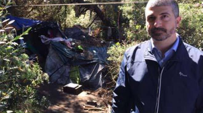 CasaPound: oggi tour di Di Stefano a Dragona tra insediamenti abusivi e campo rom