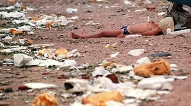 Coccia di Morto, la spiaggia più sporca d'Italia