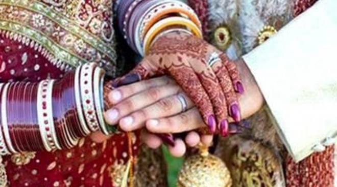 Farmacisti in aiuto e le tradizioni indiane