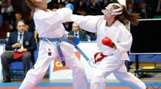 Gli Esordienti B al Pala Pellicone. Il karate giovanile scende sui tatami Fijlkam