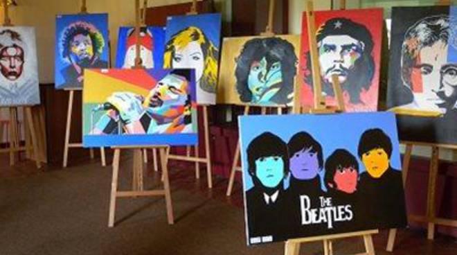"""Il Rock in mostra all'Istituto Mattei: """"Dipingere la felicità ascoltando la musica"""""""